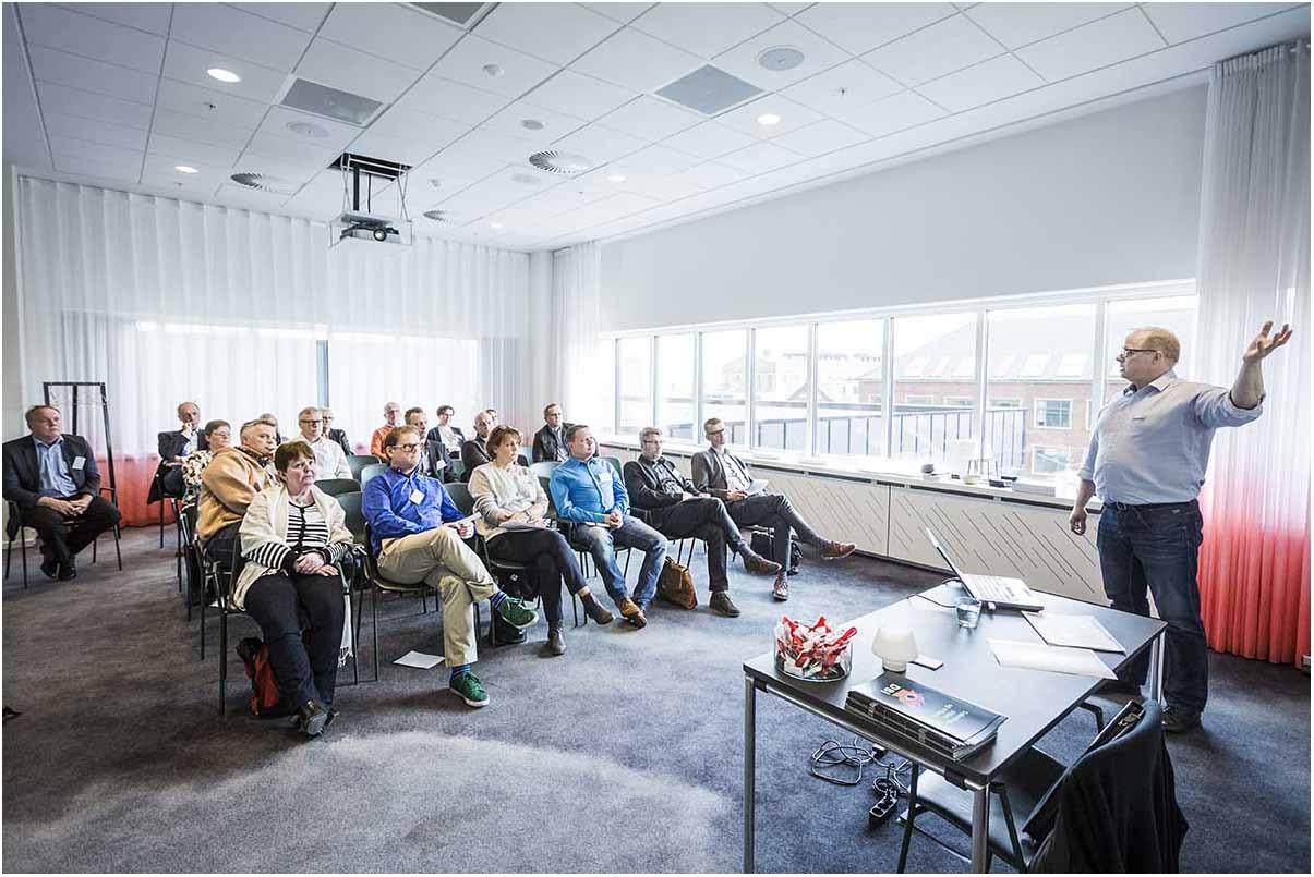 Fotograf i Århus med speciale i produktfoto, packshots, reportagefoto